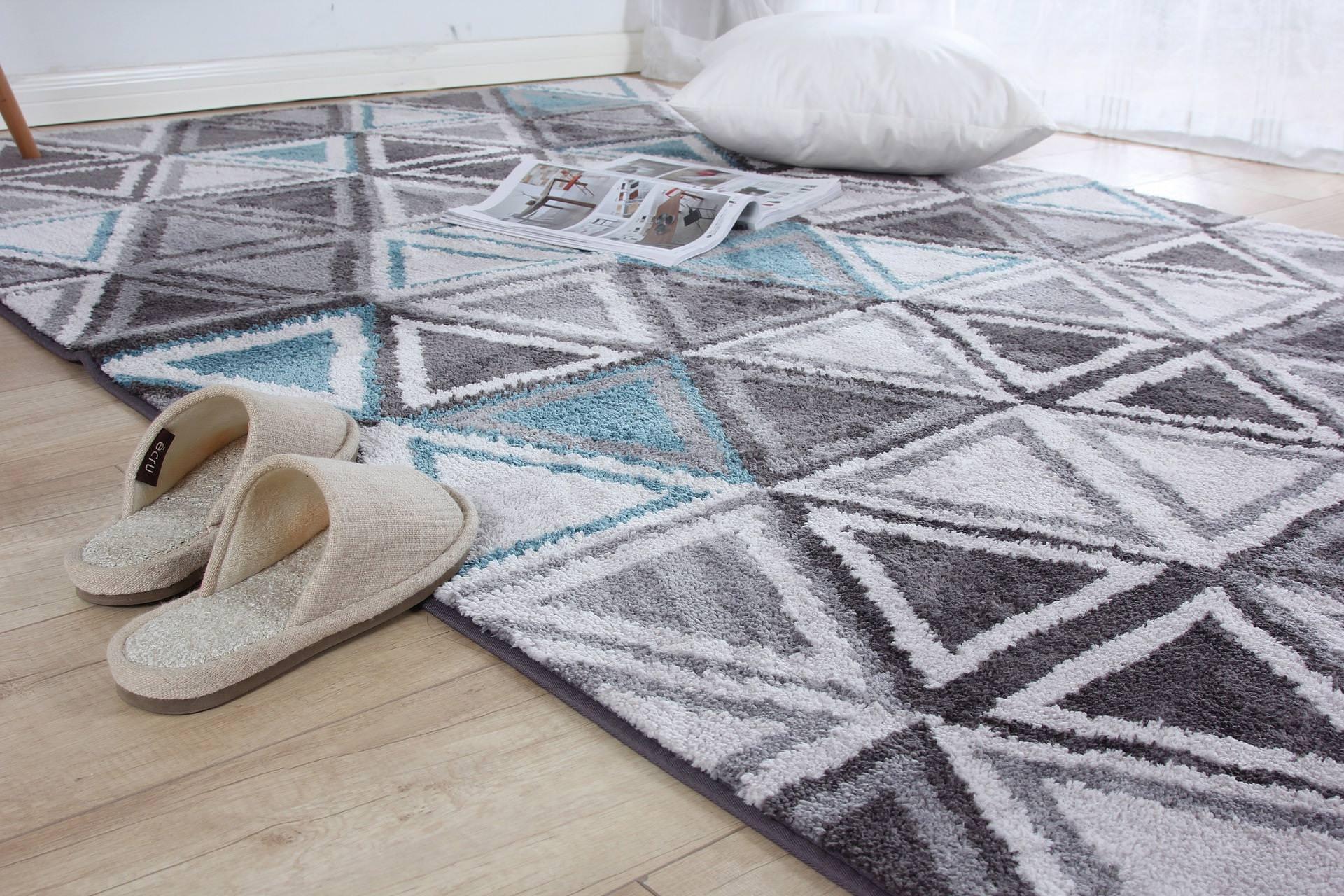 Teppichmotten/ Kleidermotten bekämpfen - Wohnkultur